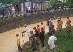 Air Sungai Bolong Nunukan Meluap Puluhan Rumah Warga Terendam