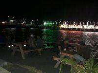 Ngopi di Warkop Bahari Sambil Nikmati Gemerlap Lampu Lampu Tonrangeng River Side