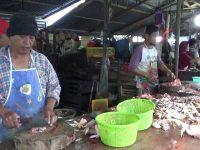 Harga Ayam di Pasar Tradisional Lakessi Naik