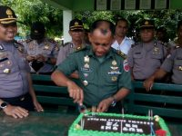 Polisi Beri Surprise TNI di Polman